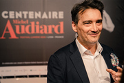 <span style='display:inline-block; background-color:#DF071E; width: 100%;padding:5px;'>Stéphane Audiard</span>