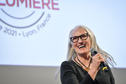 <span style='display:inline-block; background-color:#DF071E; width: 100%;padding:5px;'>Jane Campion</span>