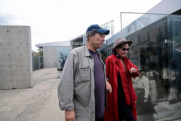 Dennis Berry et Anna Karina