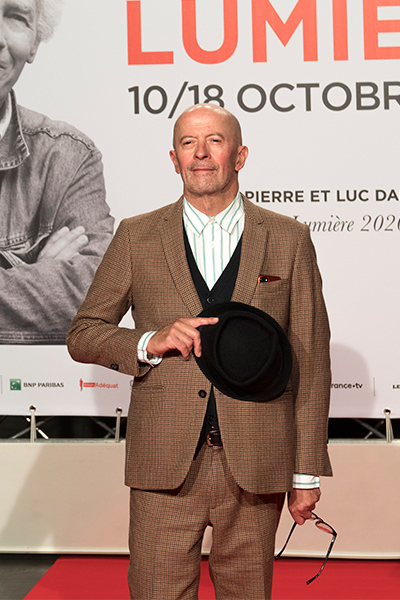 <span style='display:inline-block; background-color:#DF071E; width: 100%;padding:5px;'>Jacques Audiard</span>