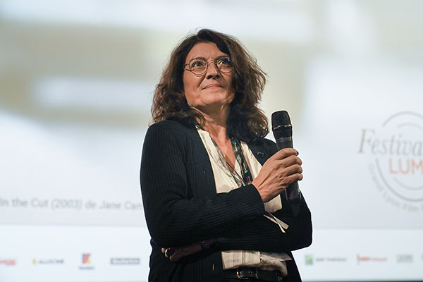 <span style='display:inline-block; background-color:#DF071E; width: 100%;padding:5px;'>Nathalie Graumann</span>